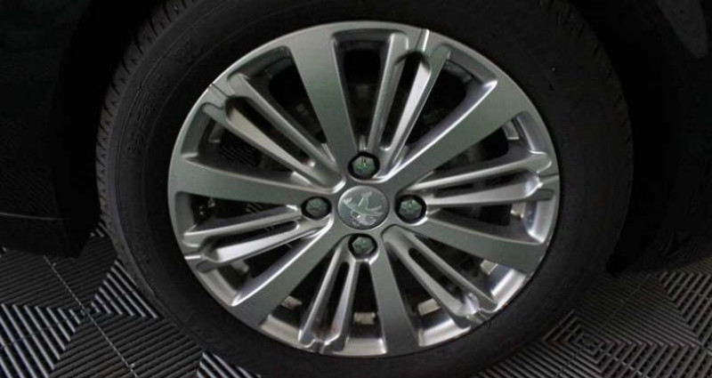 Peugeot 208 1.5 BlueHDi 100ch S&S BVM5 Signature Noir occasion à SAINT FULGENT - photo n°7