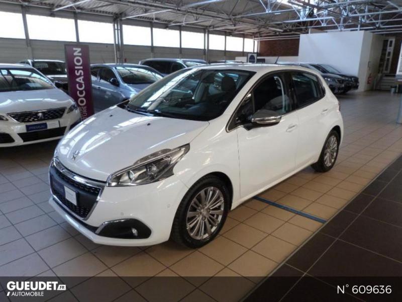Peugeot 208 1.6 BlueHDi 100ch Allure 5p Blanc occasion à Meaux