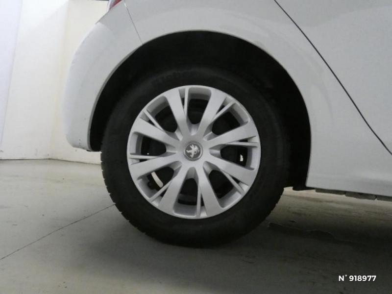 Peugeot 208 1.6 BlueHDi 75ch Active 5p Blanc occasion à Cesson - photo n°11