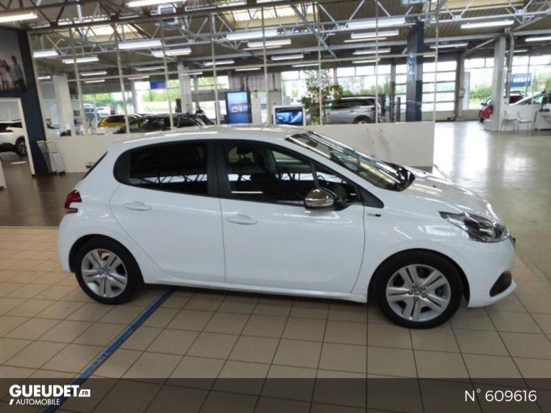 Peugeot 208 1.6 BlueHDi 75ch Business S&S 5p Blanc occasion à Meaux - photo n°4
