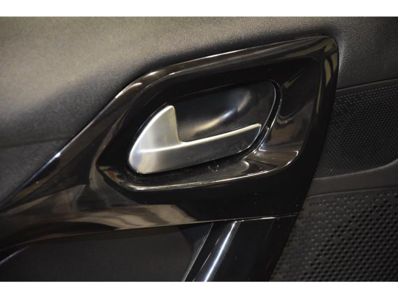Peugeot 208 1.6 BlueHDi S&S - 100  BERLINE Active Business PHASE 2 Blanc occasion à Riorges - photo n°12