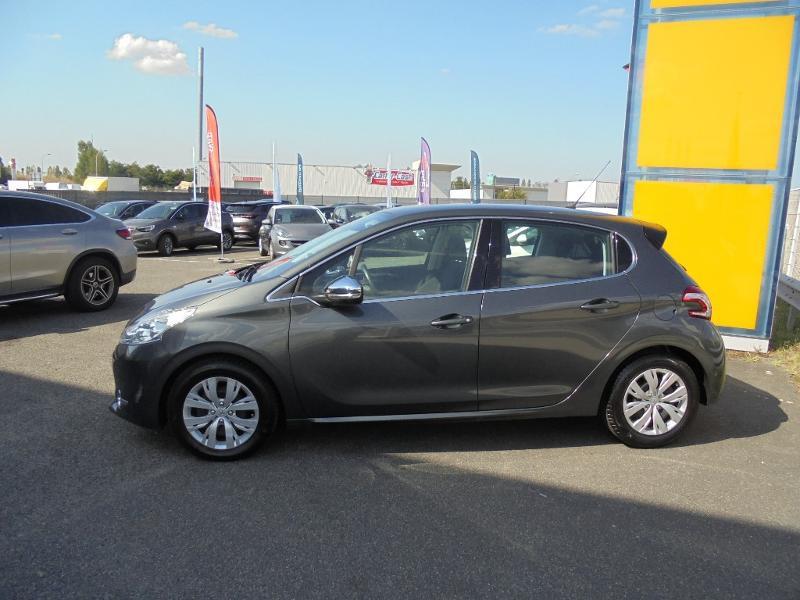 Peugeot 208 1.6 e-HDi FAP Business Pack 4cv 5p Gris occasion à Corbeil-Essonnes - photo n°4