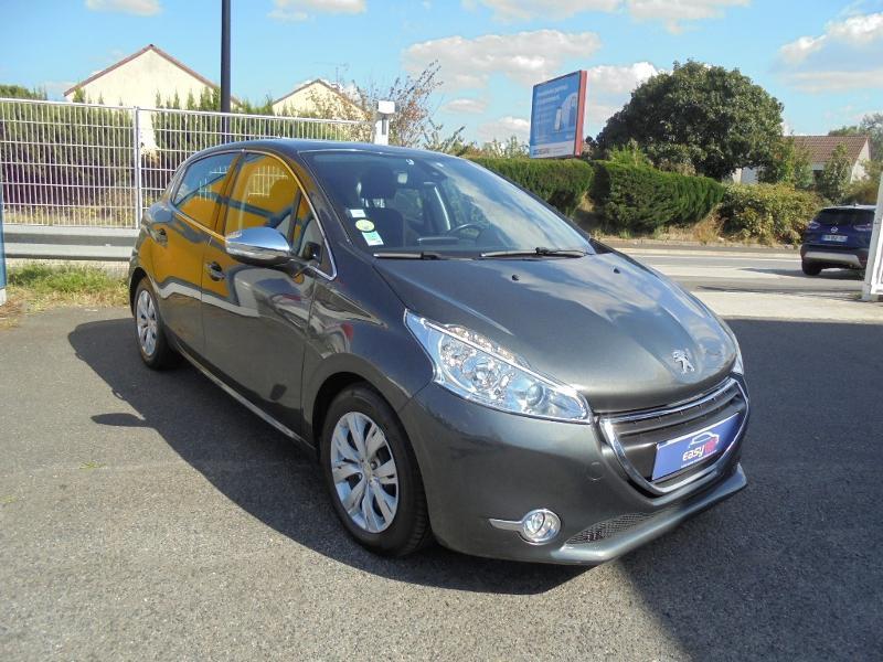 Peugeot 208 1.6 e-HDi FAP Business Pack 4cv 5p Gris occasion à Corbeil-Essonnes