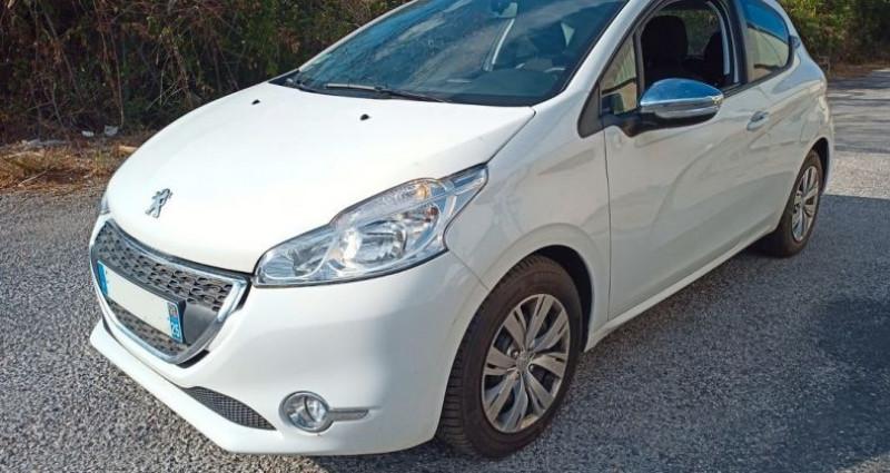 Peugeot 208 208, 1.6 HDI Style Blanc occasion à PERPIGNAN