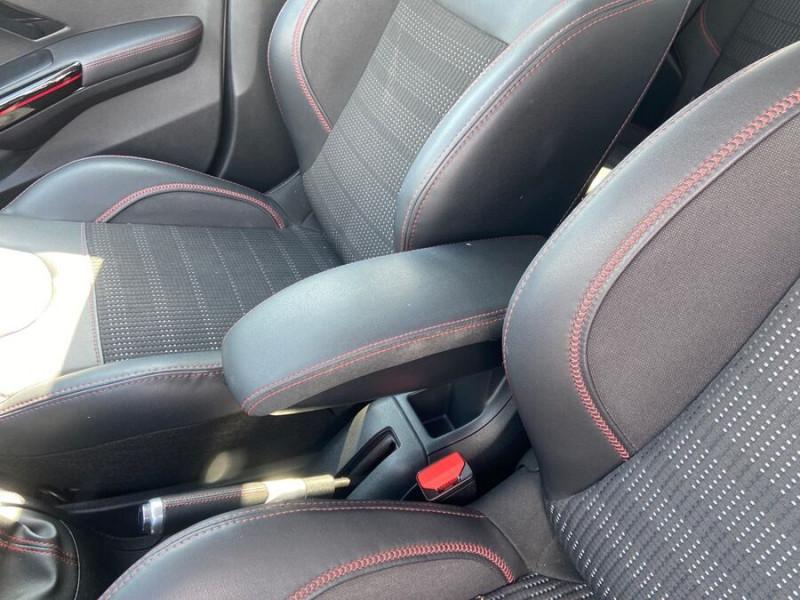 Peugeot 208 BlueHDi 100 GT LINE GPS Caméra Gris occasion à Montauban - photo n°18