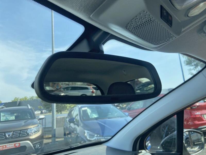 Peugeot 208 BlueHDi 100 GT LINE GPS Caméra Gris occasion à Montauban - photo n°17