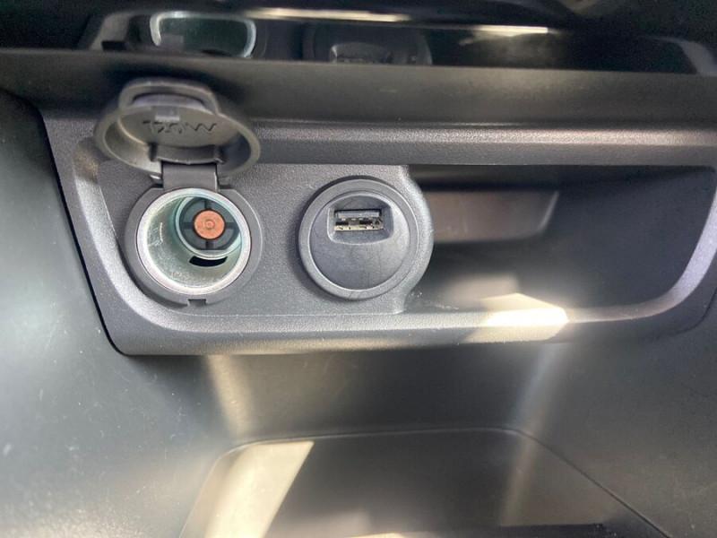 Peugeot 208 BlueHDi 100 GT LINE GPS Caméra Gris occasion à Montauban - photo n°16