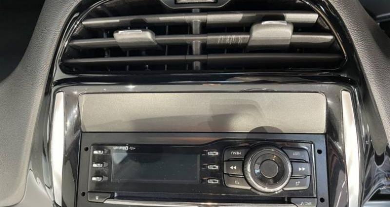 Peugeot 208 PureTech 68ch BVM5 Like Gris occasion à LADOIX-SERRIGNY - photo n°6