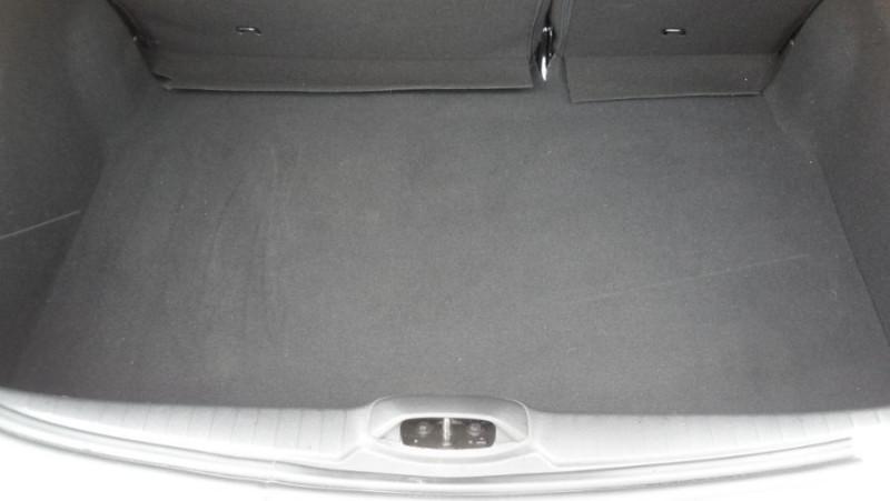 Peugeot 208 PureTech 82 ACTIVE Business GPS Radar Anti-Brouillards Blanc occasion à Lescure-d'Albigeois - photo n°9