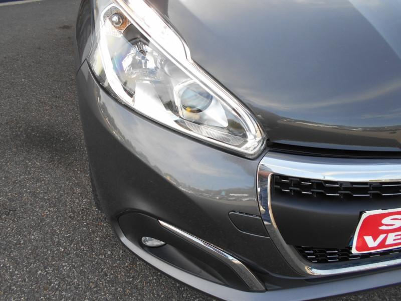Peugeot 208 PureTech 82ch SetS BVM5 Signature Gris occasion à Bessières - photo n°7
