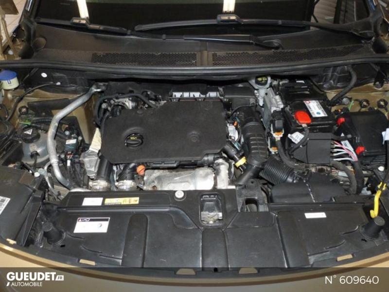 Peugeot 3008 1.5 BlueHDi 130ch E6.c Crossway S&S Beige occasion à Meaux - photo n°12