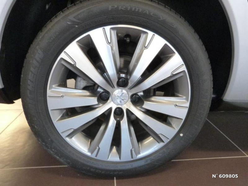 Peugeot 3008 1.6 BlueHDi 120ch Allure S&S Gris occasion à Meaux - photo n°11