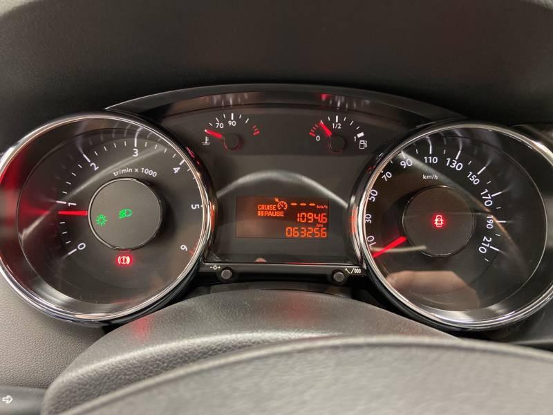 Peugeot 3008 1.6 BlueHDi 120ch S&S BVM6 Style Gris occasion à Mont de Marsan - photo n°18
