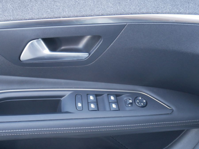 Peugeot 3008 BlueHDi 130 EAT8 ALLURE Hayon Barres Drive Assist Blanc occasion à Carcassonne - photo n°5