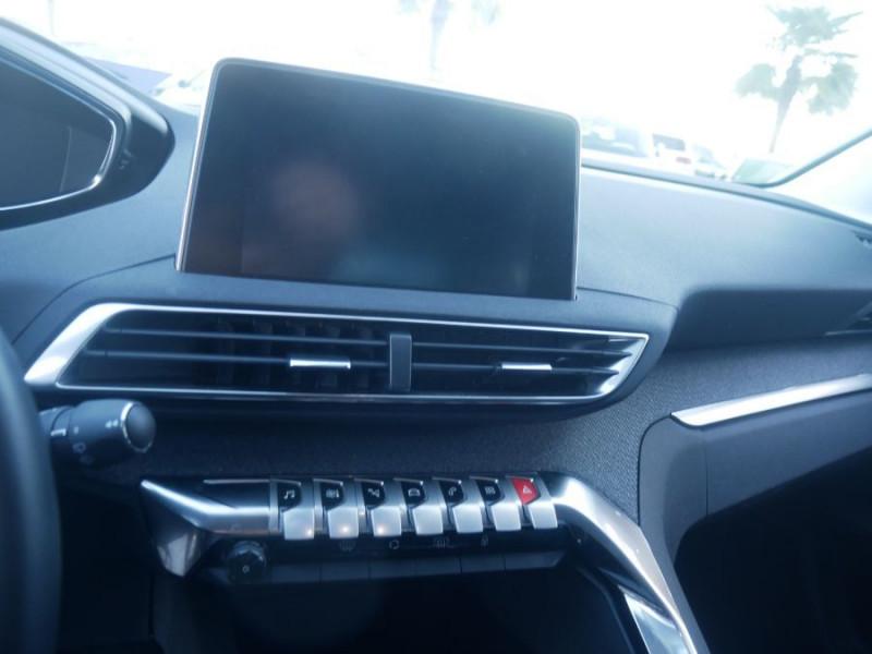 Peugeot 3008 BlueHDi 130 EAT8 ALLURE Hayon Barres Drive Assist Blanc occasion à Carcassonne - photo n°8