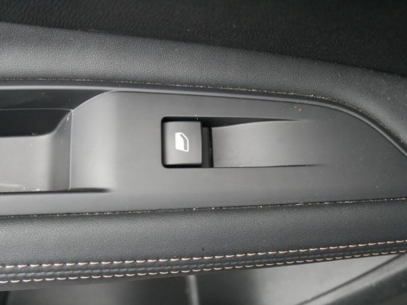 Peugeot 3008 PureTech 130 BV6 GT LINE Hayon Barres de Toit Gris occasion à Carcassonne - photo n°11