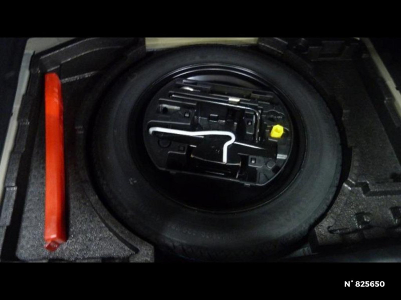 Peugeot 308 1.2 PureTech 130ch E6.3 S&S Tech Edition Gris occasion à Avon - photo n°8