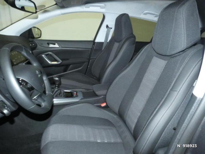 Peugeot 308 1.5 BlueHDi 130ch S&S Allure 7cv Gris occasion à Cesson - photo n°8