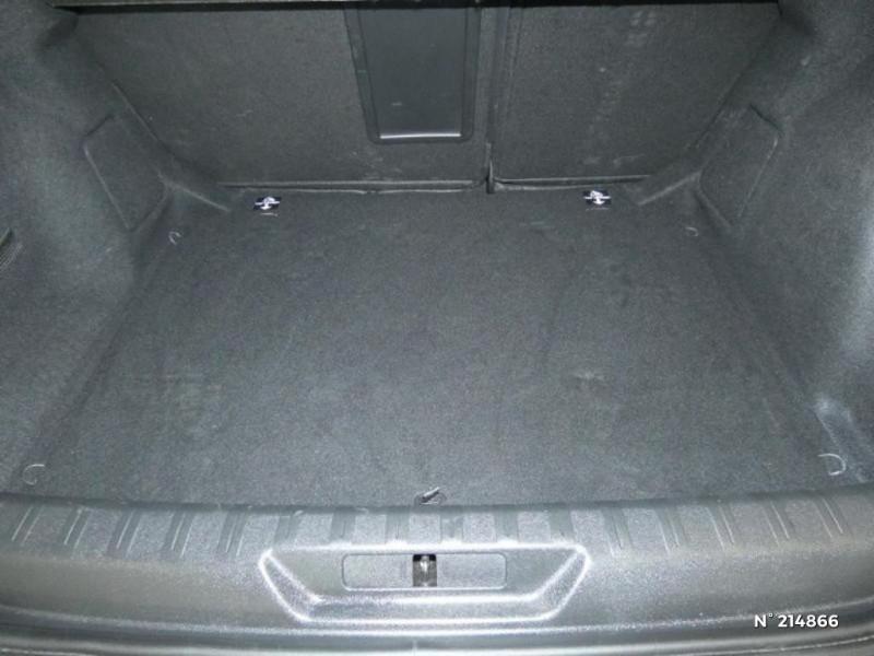 Peugeot 308 1.5 BlueHDi 130ch S&S Allure Noir occasion à Corbeil-Essonnes - photo n°6