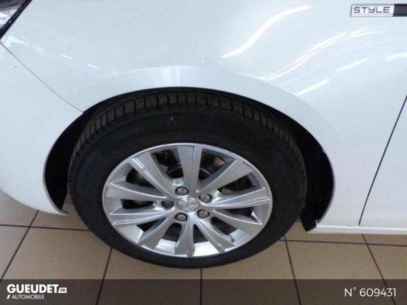 Peugeot 308 1.6 BlueHDi 120ch Style S&S 5p Blanc occasion à Meaux - photo n°20