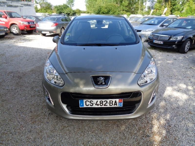 Peugeot 308 1.6 HDI92 FAP STYLE III 5P Gris occasion à Aucamville - photo n°2