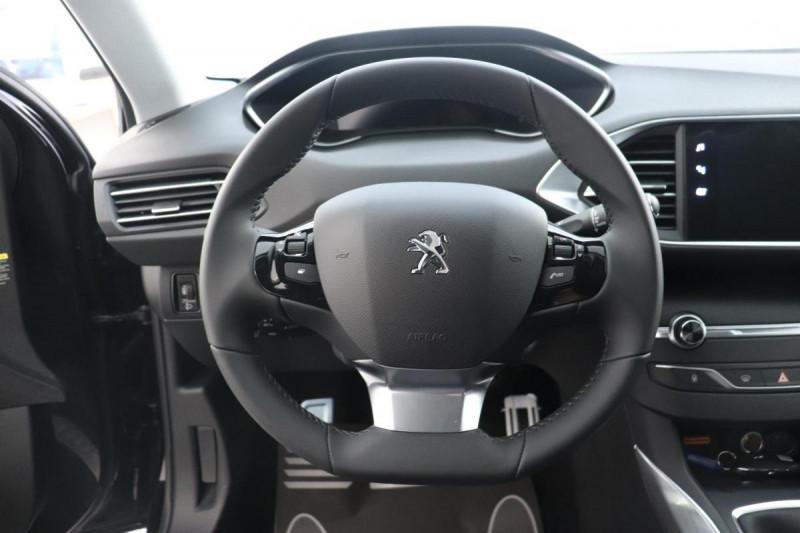 Peugeot 308 BlueHDi 130ch S&S EAT8 Allure Noir occasion à Seclin - photo n°10