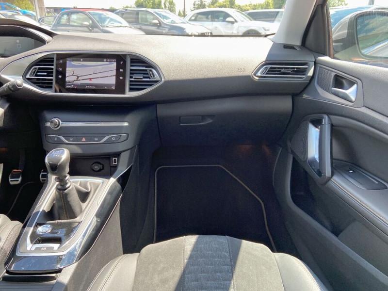 Peugeot 308 New BlueHDi 130 BV6 ROADTRIP Full Leds GPS Caméra Gris occasion à Lescure-d'Albigeois - photo n°12