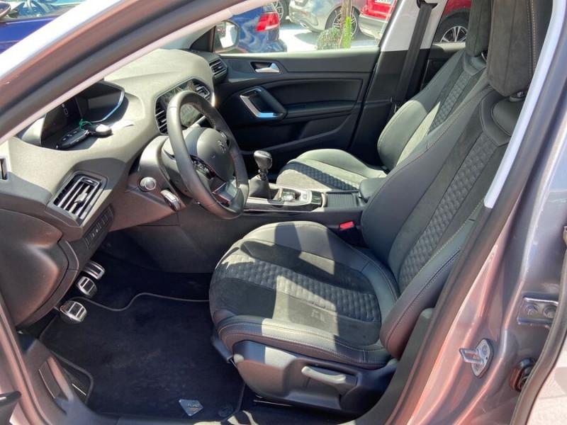 Peugeot 308 New BlueHDi 130 BV6 ROADTRIP Full Leds GPS Caméra Gris occasion à Lescure-d'Albigeois - photo n°3