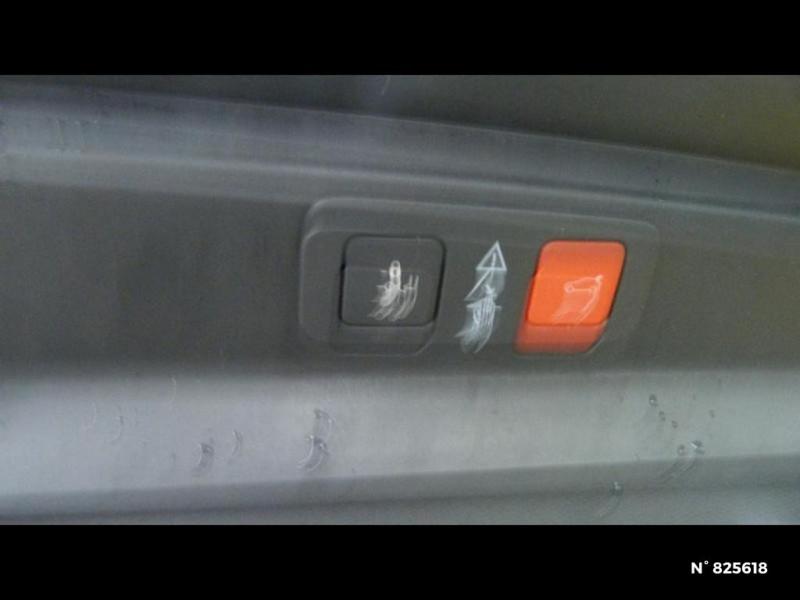 Peugeot 5008 2.0 BlueHDi 180ch S&S GT EAT8 Gris occasion à Avon - photo n°17