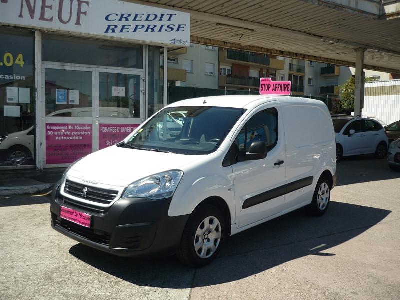 Peugeot Partner occasion 2015 mise en vente à Toulouse par le garage GROUPEMENT DE L'OCCASION - photo n°1