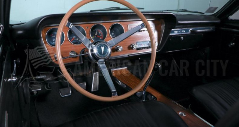 Pontiac GTO RARE 400 BOITE MECA 4 Violet occasion à Le Coudray-montceaux - photo n°6
