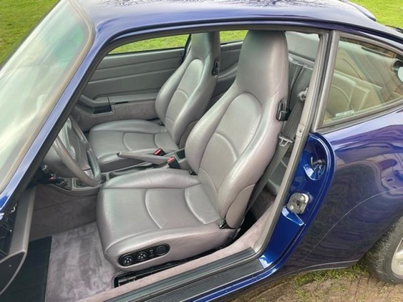 Porsche 911 (993) 3.6 CARRERA Bleu occasion à Vacquiers - photo n°9