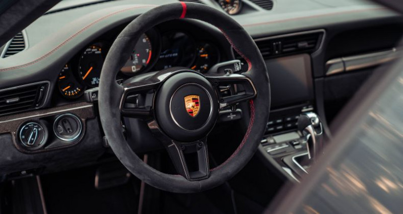 Porsche 911 GT2 RS Pack Weissach  occasion à Paris - photo n°4