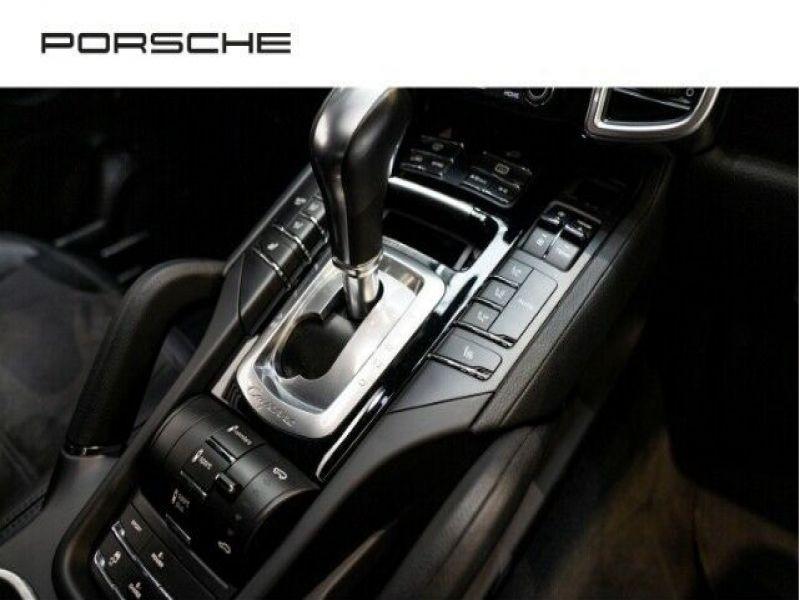 Porsche Cayenne 3.0 E-HYBRID 416 PLATINUM Noir occasion à BEAUPUY - photo n°9