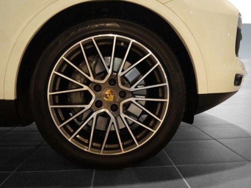 Porsche Cayenne 3.0 V6 S 440 Blanc occasion à BEAUPUY - photo n°8