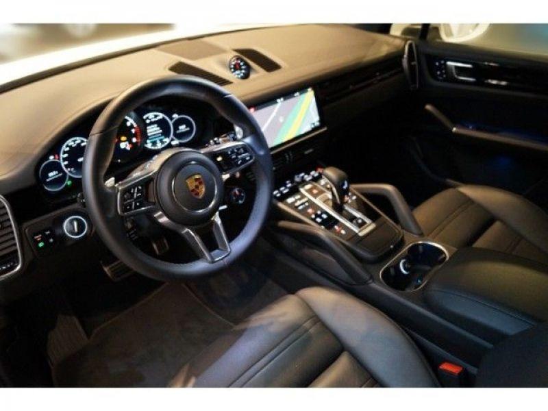 Porsche Cayenne 3.0 V6 S 440 Blanc occasion à BEAUPUY - photo n°2