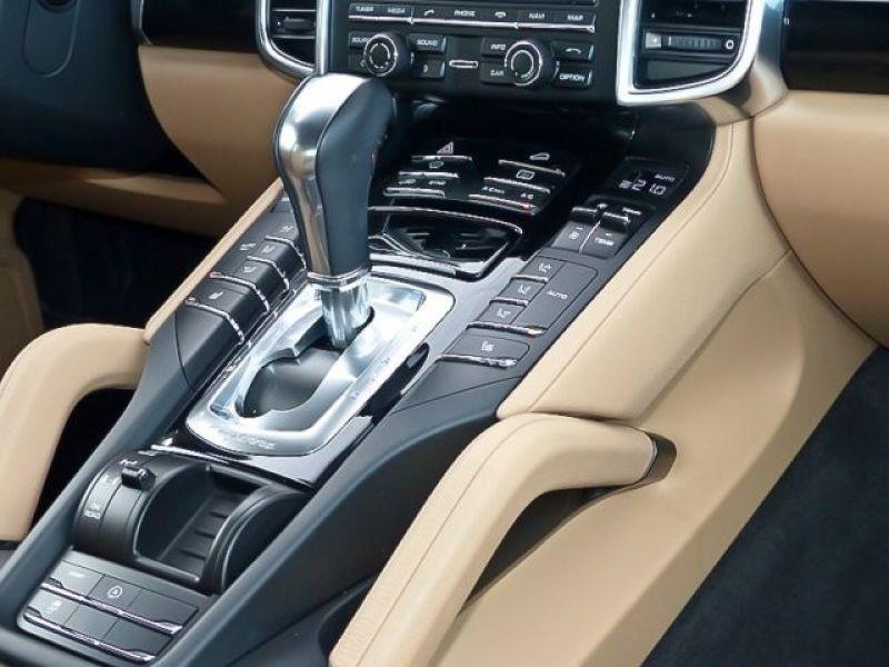 Porsche Cayenne 4.2 V8 S Diesel 382 cv Noir occasion à BEAUPUY - photo n°5