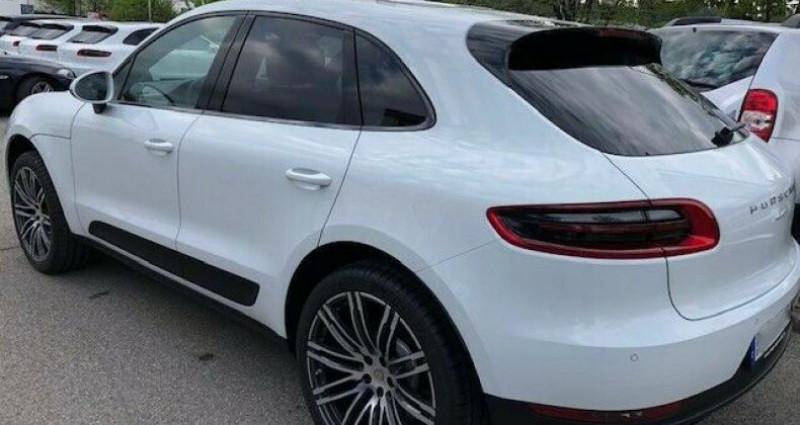 Porsche Macan 2.0 252ch PDK Blanc occasion à Boulogne-Billancourt - photo n°2