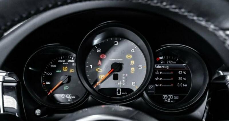Porsche Macan 3.0 V6 258ch S Diesel PDK Gris occasion à Boulogne-Billancourt - photo n°3