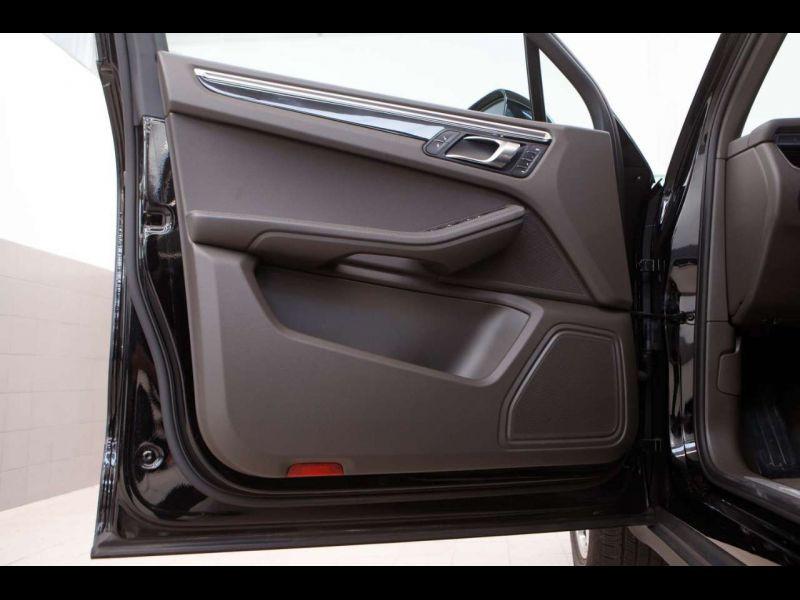 Porsche Macan S Diesel Noir occasion à BEAUPUY - photo n°9