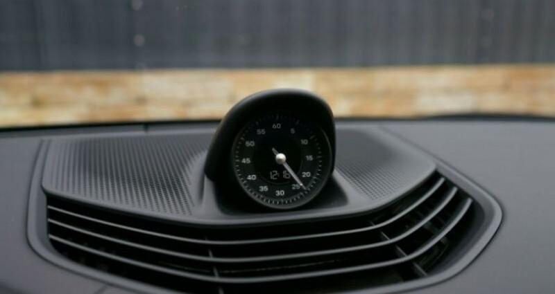 Porsche Taycan 4S Noir occasion à Montévrain - photo n°6
