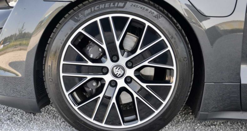 Porsche Taycan PerfmBat SportSound Airsus 18Way BOSE 22kW Gris occasion à Wielsbeke - photo n°7