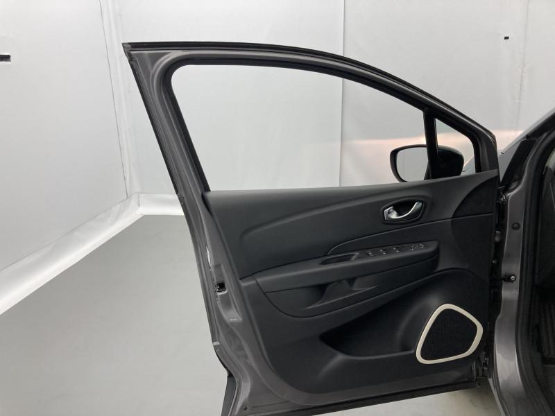 Renault Captur 0.9 TCe 90ch energy Business Gris occasion à SAINT-GREGOIRE - photo n°11