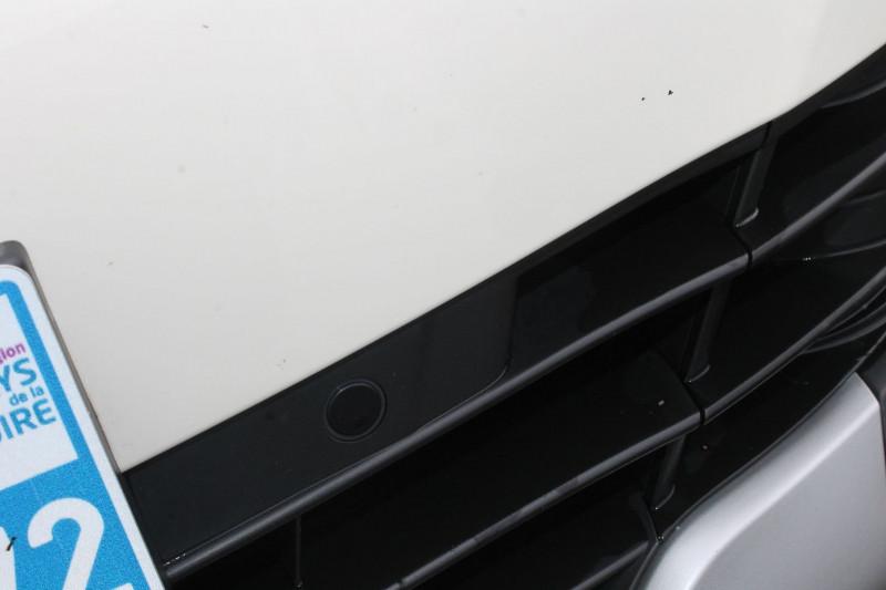 Renault Captur 0.9 TCE 90CH ENERGY INTENS Blanc occasion à Saint-Saturnin - photo n°9