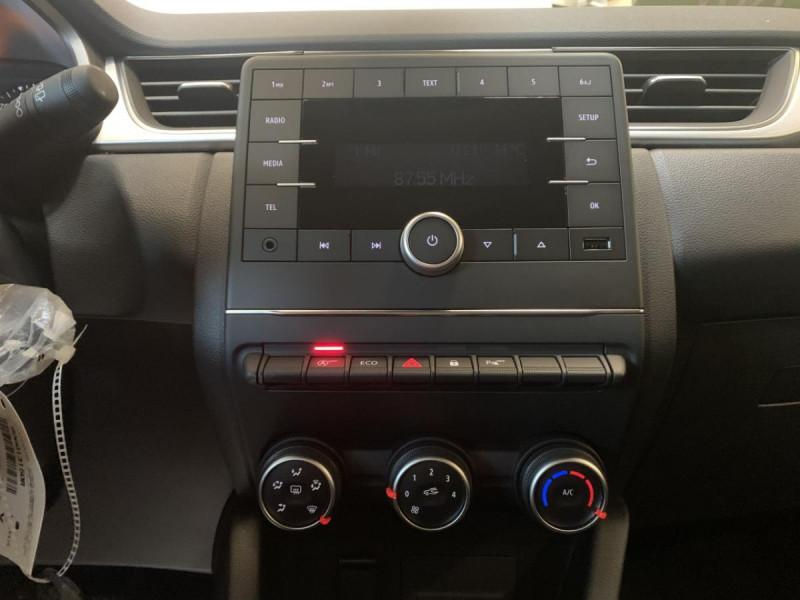 Renault Captur 1.5 Blue dCi  95 ch  Zen + options Blanc occasion à Lormont - photo n°10