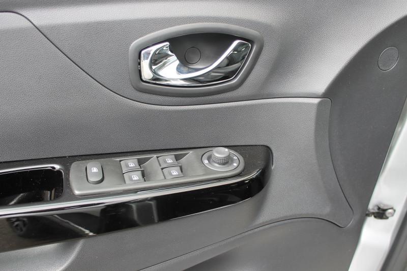Renault Captur 1.5 DCI 110CH STOP&START ENERGY INTENS EURO6 2016 Gris occasion à Saint-Saturnin - photo n°9