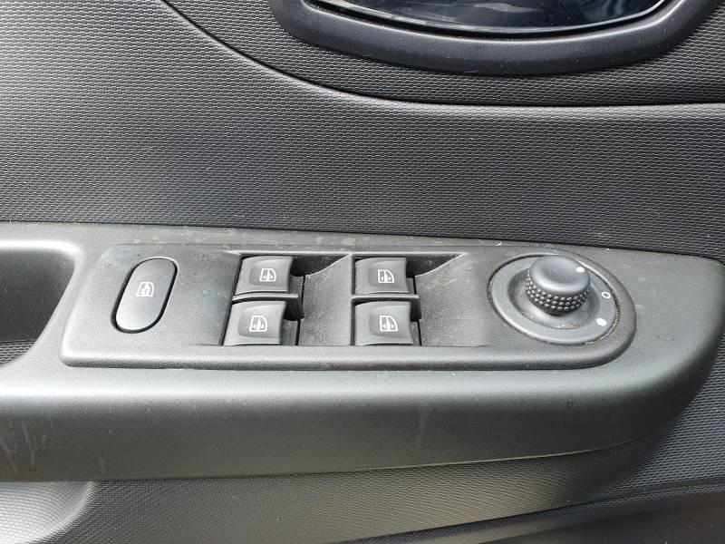 Renault Captur BUSINESS dCi 90 Energy Blanc occasion à Moncassin - photo n°10