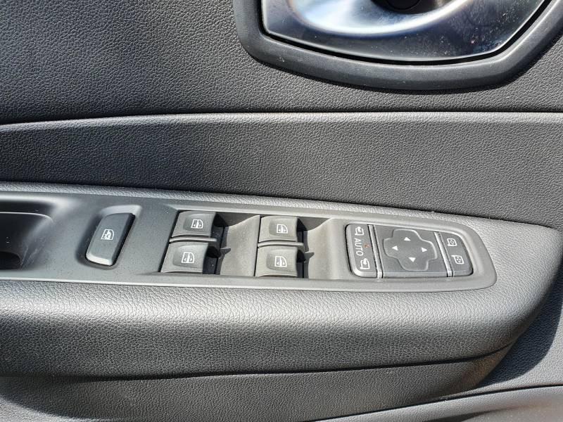 Renault Captur BUSINESS dCi 90 Energy Noir occasion à Moncassin - photo n°8