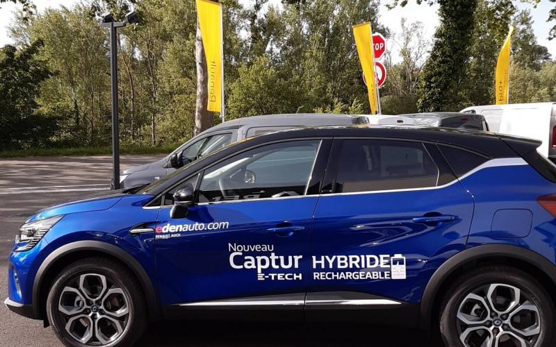 Renault Captur Captur E-Tech Plug-in 160 Intens 5p Bleu occasion à Auch - photo n°3