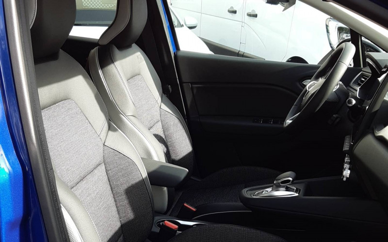 Renault Captur Captur E-Tech Plug-in 160 Intens 5p Bleu occasion à Auch - photo n°9
